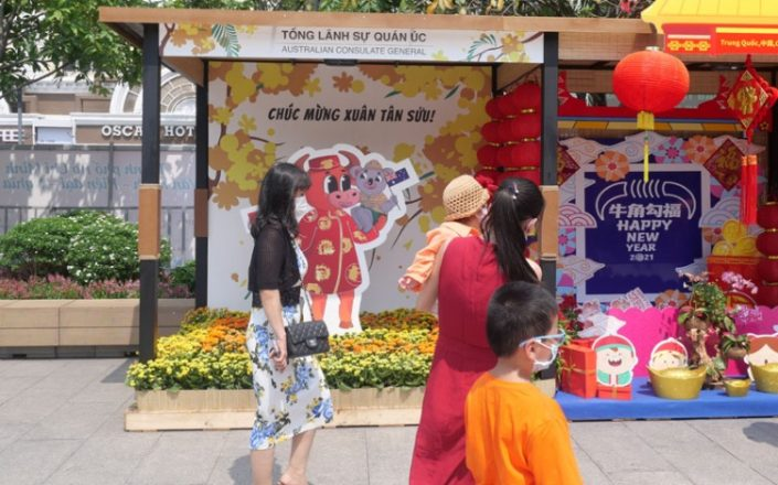 Australian-Consulate-Tet-Booth-people